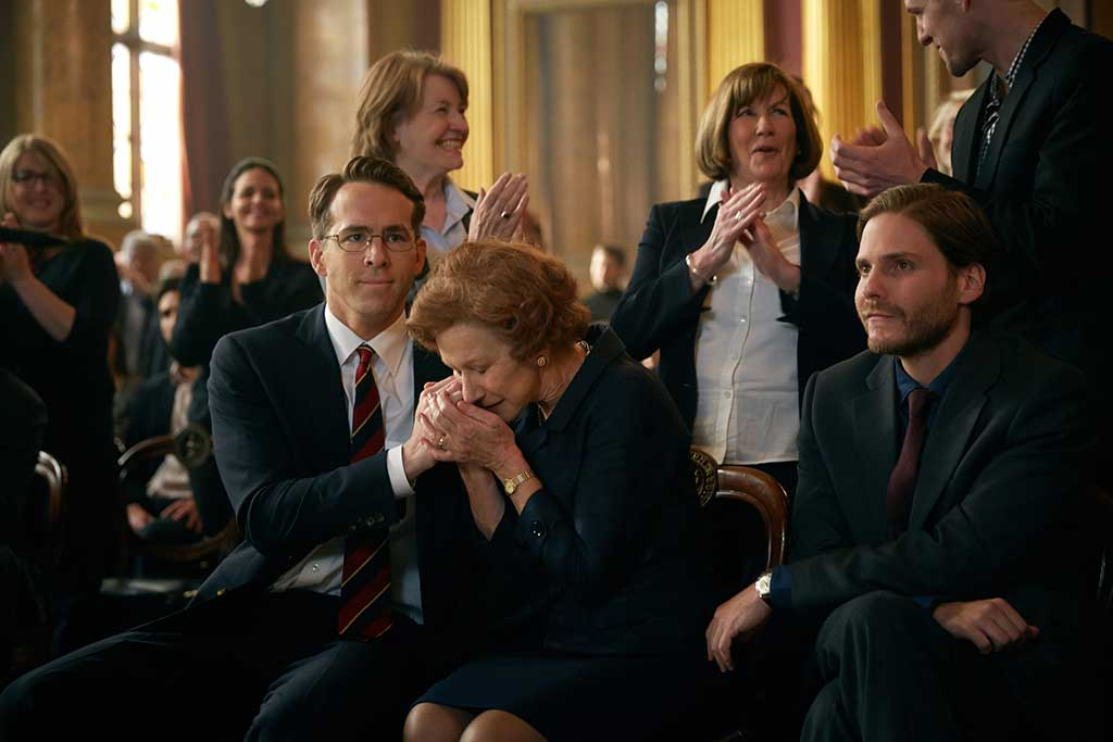 WOMAN IN GOLD (L-R) RYAN REYNOLDS, HELEN MIRREN, and DANIEL BRUHL star in WOMAN IN GOLD