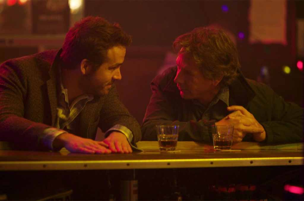 Ryan Reynolds plays Curtis, Ben Mendelsohn is Gerry in Mississippi Grind
