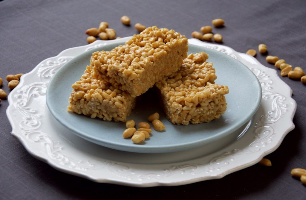 Peanut Butter Crispy Brown Rice Bars